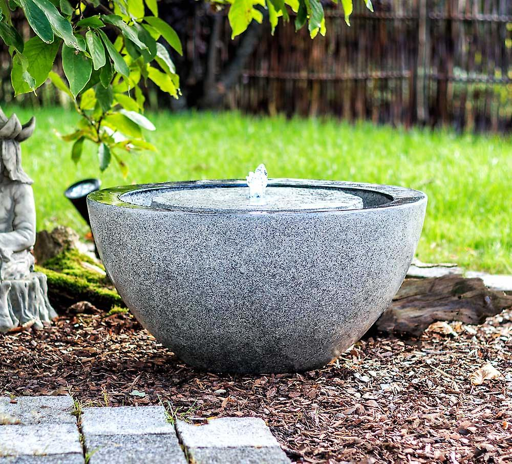 Fontene i granitt fra fruugo.se